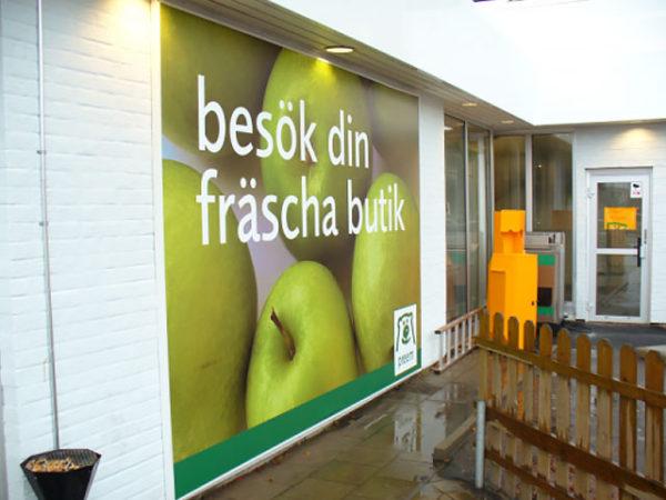 Bilbord reklamowy szwedzkiej sieci supermarketów