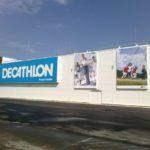 Kaseton reklamowy sieci sklepów sportowych Decathlon