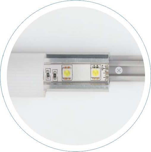 Przykład szybkiego montażu podświetlenia za pomocą listew napinających